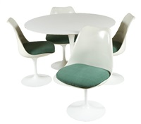 chairs and table (set of 5) by eero saarinen