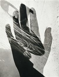 doppelbelichtung mit hand by maurice tabard