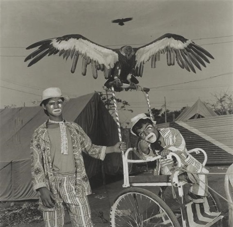 veeru and usman with moti, the performing vulture. jumbo circus, india by mary ellen mark
