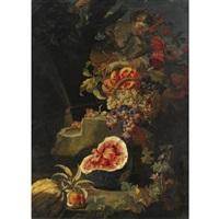 natura morta con anguria, melograno, uva e giovane contadina by christian berentz