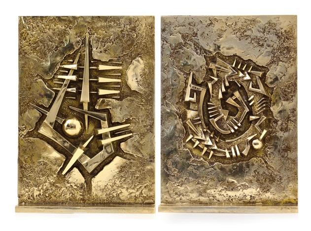 rilievo doppio by arnaldo pomodoro