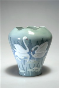 vase by laura kriesch