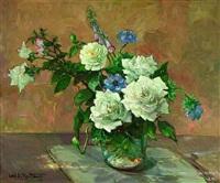 weiße rosen in einer glasvase by carl adolf korthaus