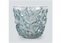 vase : avallon by rené lalique