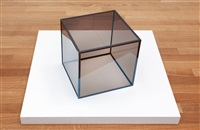 ohne titel (cube) by larry bell