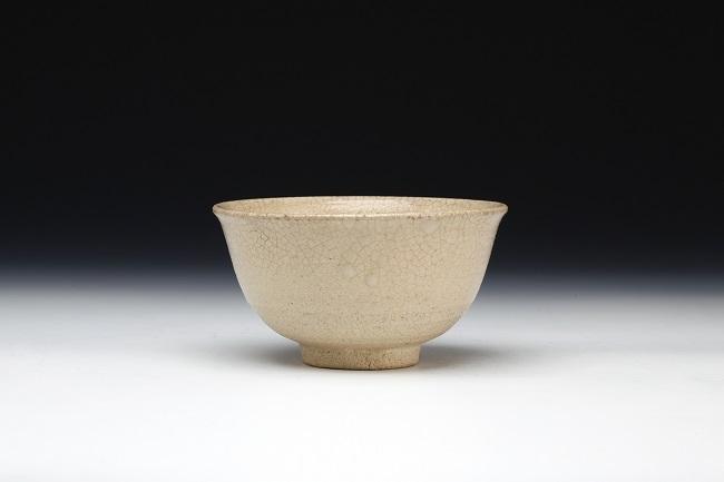tea bowl by taroemon nakazato