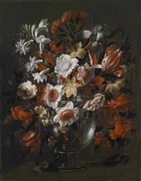 blumenstillleben mit tulpen, rosen, nelken und anderen blumen in einer glasvase (collab. w/workshop) by juan de arellano