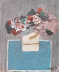 blumenstrauß auf blauem tisch by arnold fiedler