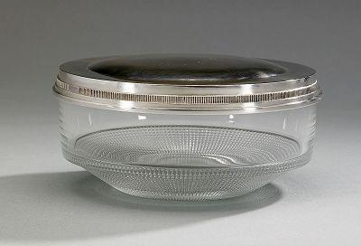 Glasskål med silverlock by Erik Fleming on artnet