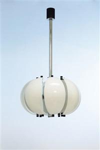 un lampadario by sciolari (co.)