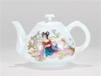 粉彩仕女图执壶 (famille-rose beauty ewer) by ren yiping