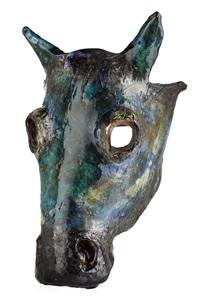 skulptur i form av hästhuvud by henrik allert