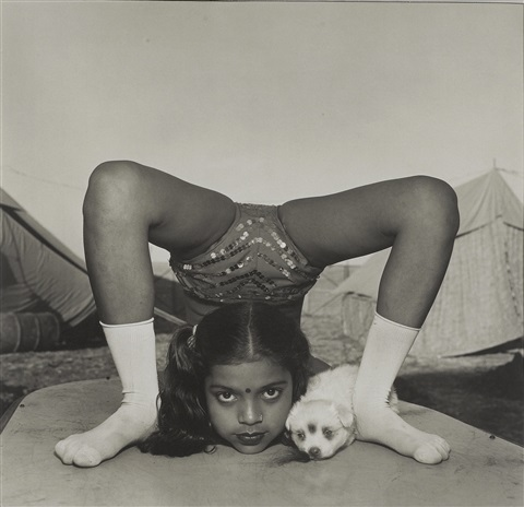 contortionist with her puppy sweety great raj kamal circus india by mary ellen mark