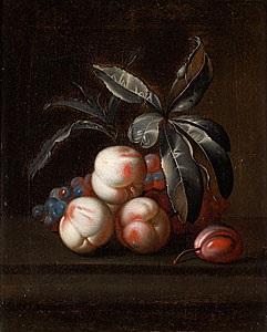 stilleben med persikor plommon och vindruvor by simon pietersz verelst