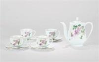 粉彩紫藤花叶图茶具(一组九头)(tea set with flowers pattern)(set of 9, various sizes) by liu ping
