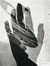 doppeltbelichtung mit hand by maurice tabard