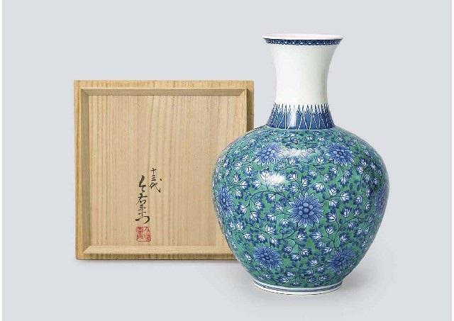 Ironabeshima Floral Vase Depicting Chrysanthemum And Cotton Flower
