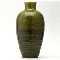 vase (designed by william hentschel) by kenton hills