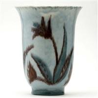 flaring vase by kenton hills