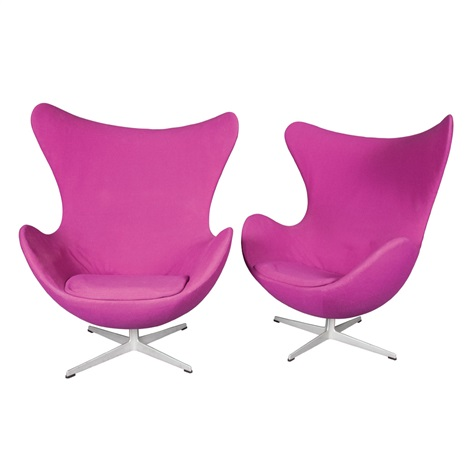 egg chairs pair by arne jacobsen