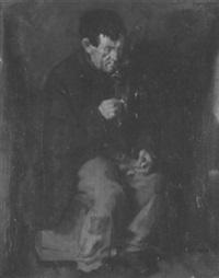 sitzender alter mann, sich eine pfeife anzünzden by conrad pfau