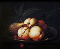 piatto con pesche, uva e fichi by evert van aelst