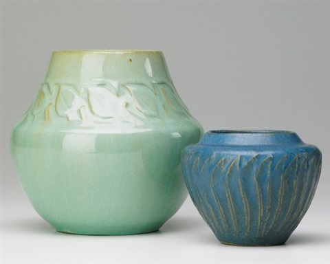 vases embossed with leaves by arequipa pottery
