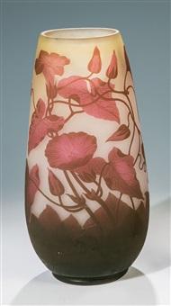 vase mit winde by arsall (vereinigte lausitzer glaswerke)