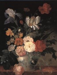 stilleben mit blumen in einer bemalten keramikvase by georg frederik ziesel