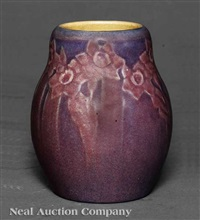vase decorated by henrietta bailey by newcomb college pottery