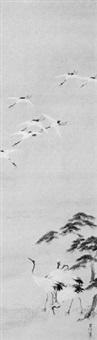 vier kraniche an einem ufer unter einer kiefer, darüber sieben kraniche im flug by kano toshun