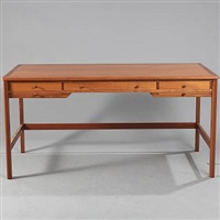 free-standing desk (model 141) by rigmor andersen