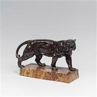 tiger auf rechteckigem sockel by adolphe-jean lavergne