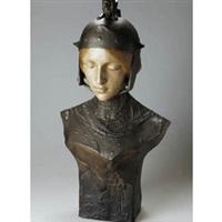 büste einer frau mit helm by ezio ceccarelli