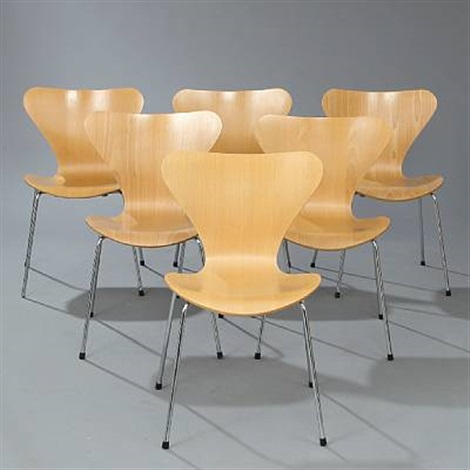 seven chair dining chairs model 3107 set if 5 by arne jacobsen