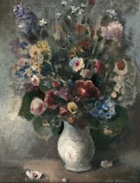 frühlingsblumen in weißer vase by ludwig wilhelm grossmann