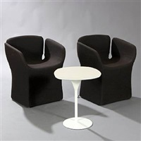 bloomy coffee table and two chairs (set of 3) by patricia urquiola