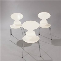 ant chairs and circular table (set of 4) by arne jacobsen