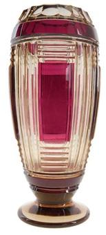vase à corps balustre sur piédouche by val saint-lambert