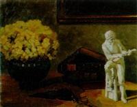 stillleben mit bücher, blumenvase und porzellanfigur by cloeter emma von zwiedineck