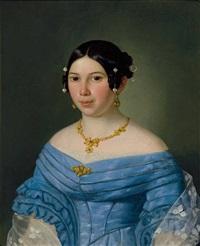 portrait einer jungen frau im blauen kleid, mit perlschmuck im haar; pendeloques, collier und brosche by joseph weidner