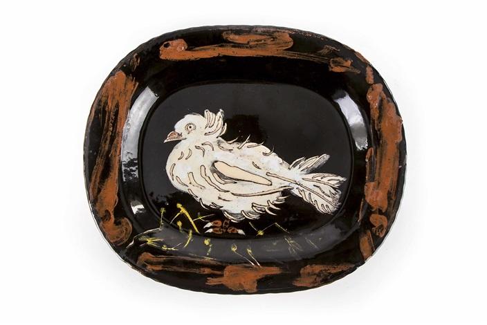 keramikteller colombe sur lit de paille by pablo picasso on artnet. Black Bedroom Furniture Sets. Home Design Ideas