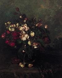 begonienblüten in glasvase, sonnig beleuchtet vor dunklem hintergrund by marie weger-kleinbardt