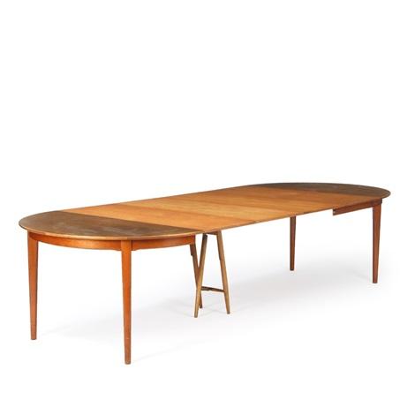 Dining Room Of Oak Consisting Of Circular Dining Table With - Circular dining table with extension