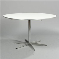 super circular table (model a704) by arne jacobsen