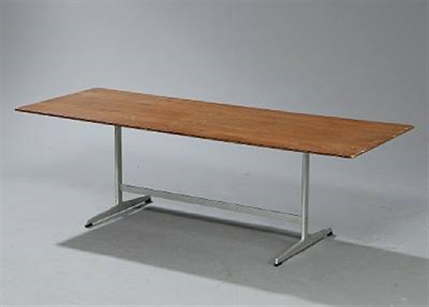 coffee table model 3571 by arne jacobsen