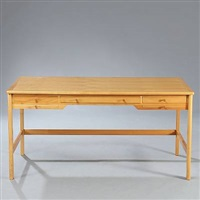 desk (model 141) by rigmor andersen