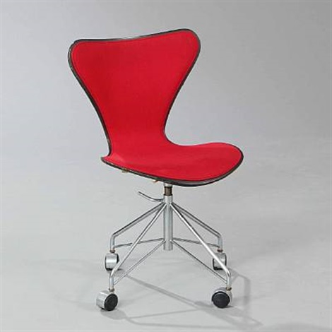 seven chair model 3107 by arne jacobsen