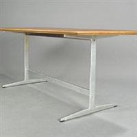 rectangular dining table by arne jacobsen