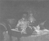 eine junge frau sitzt an einem tisch by julius hess